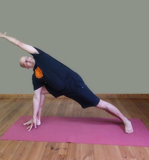 Parsvakonasana-Yogamudra-vod