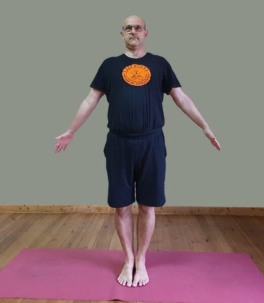 Tadasana-Yogamudra-vod